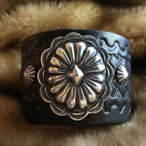 Jewelry - STERLING SILVER TOOLED LEATHER CORSET BACK CUFF🦋